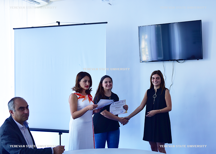 Closing the project and granting the certificates of participation
