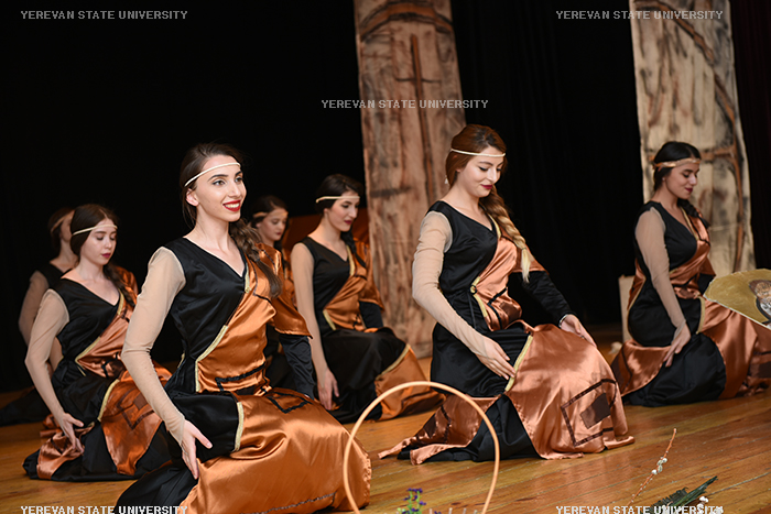 dance-group-of-girls-of-ysu-culture-center